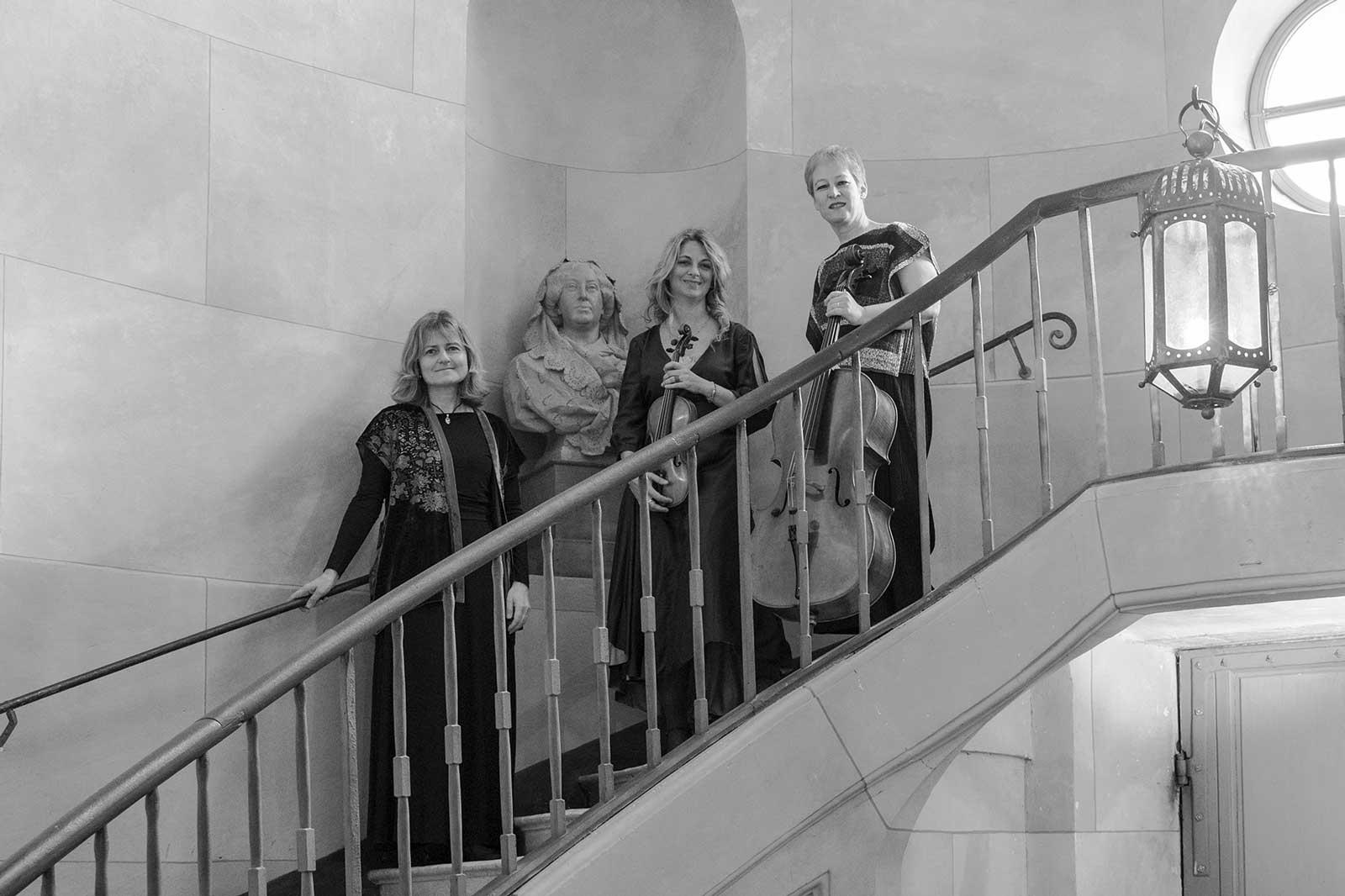 trio-georgesand-escalier-1600par1066